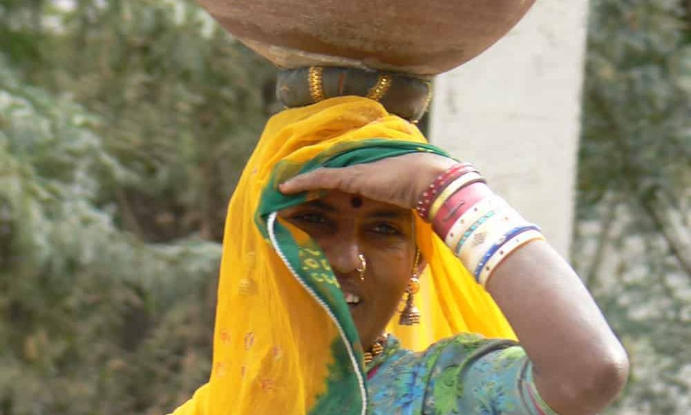 Royal Rajasthan Luxury Tour Day 5 Chanod rabai woman