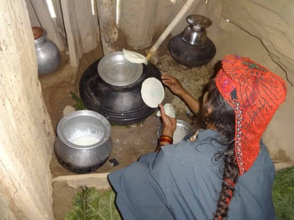 Kashmir Trek Tour Gallery Gujjar woman cooking